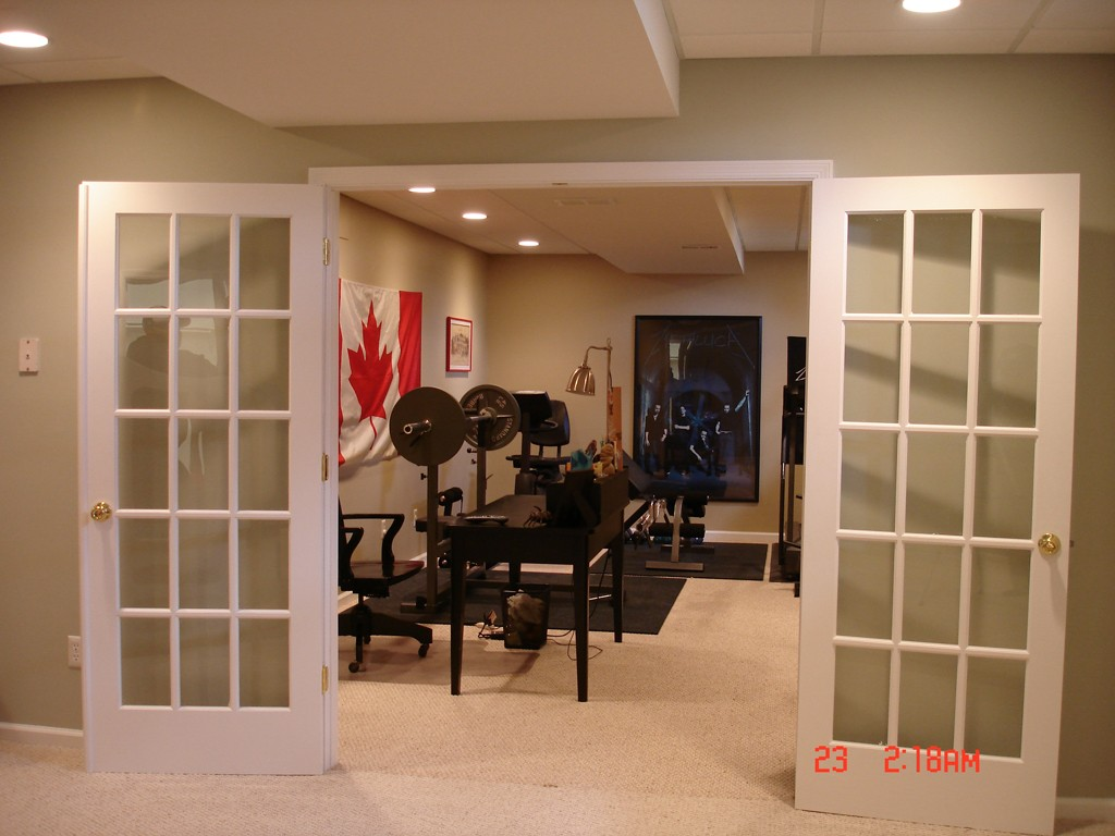 Best Flooring Material Options For A Home Gym Design