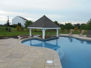 Custom pool building ~ Design Build Pros (1)