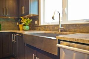farmer style apron sink ~ Design Build Pros (1)