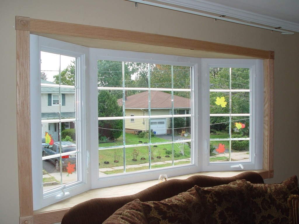 The difference between a bow and bay window design build for Bay window remodel