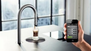 Top Brewer coffee spout controled by smart phone