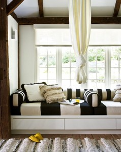 6 Clever Ideas for Small Living Rooms (3)-Design Build Planners