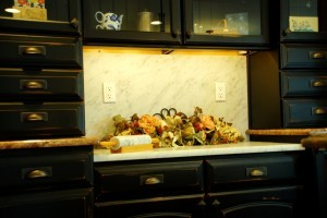 distressed cabinet finish - Design Build Planners (1)