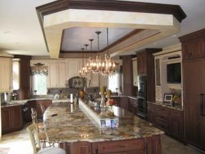 U-shaped kitchen ~ Design Build Planners (3)