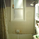 bath tub BEFORE remodeling project